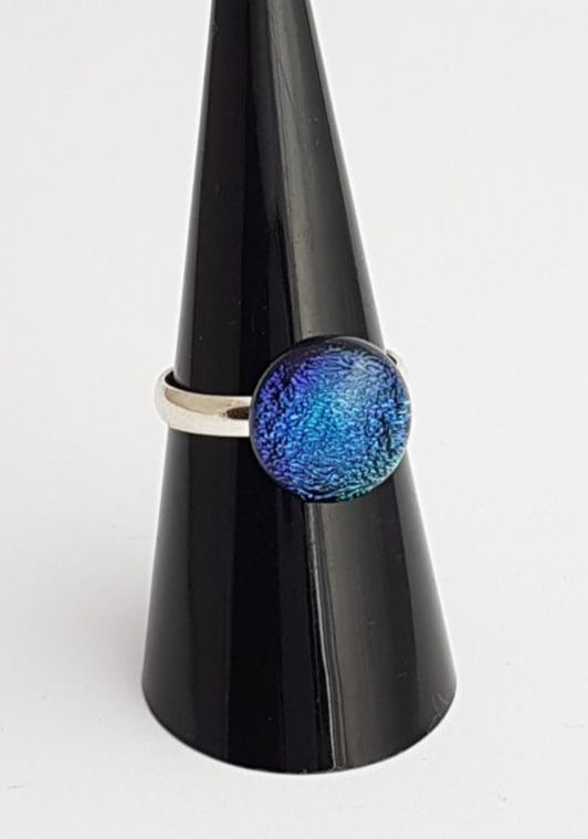 Peacock dichroic ring
