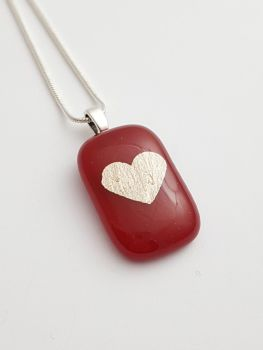 Red pendant silver mica heart