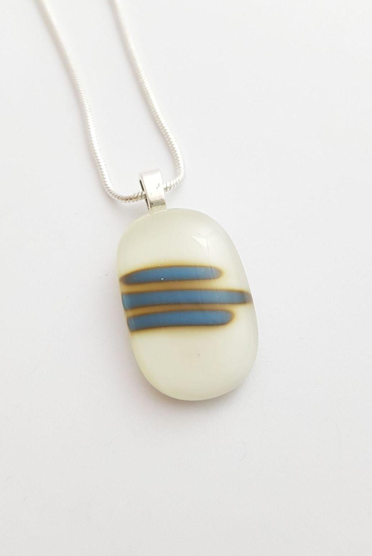 Vanilla pendant with Egyptian blue stripes