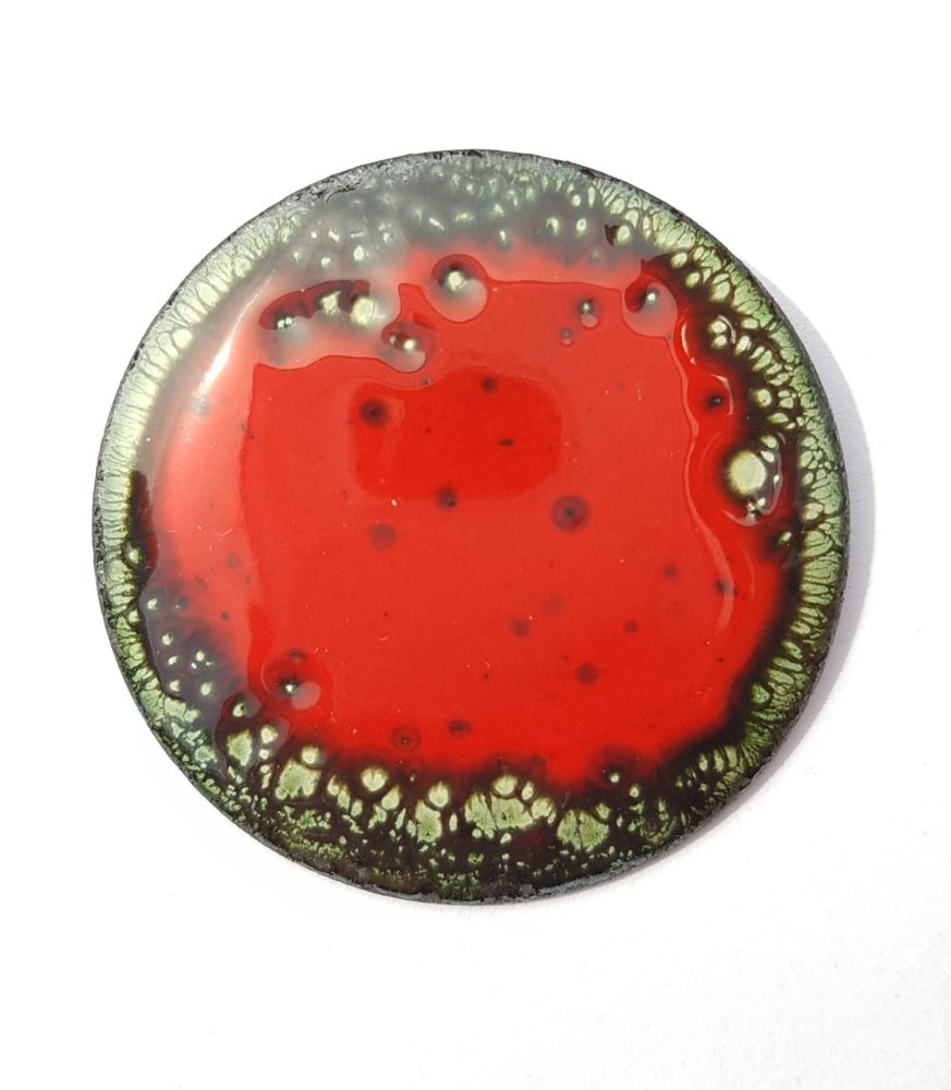 Poppy red with green edging brooch