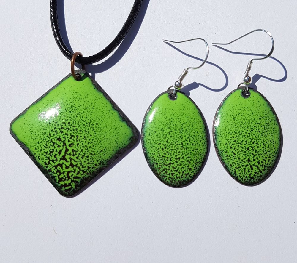 Lime green and black speckled earrings and pendant set
