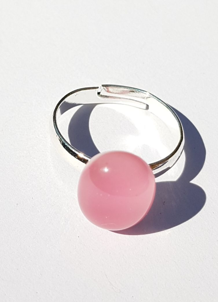 Swirly candy floss pink glass ring
