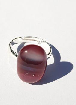 Swirly damson plum pink glass ring