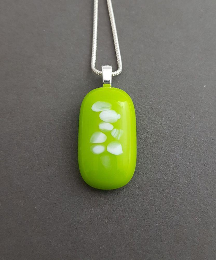 Lime and vanilla grains pendant