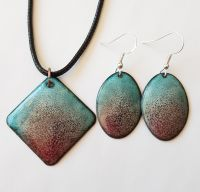 Turquoise blue with claret red speckled earrings and pendant set