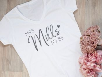 "PERSONALISED V-NECK TSHIRT ""MRS NAME TO BE"""