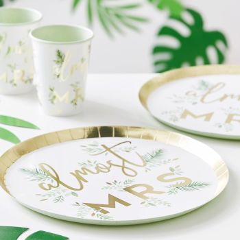 GOLD FOILED ALMOST MRS HEN PARTY PLATES (PACK OF 8)