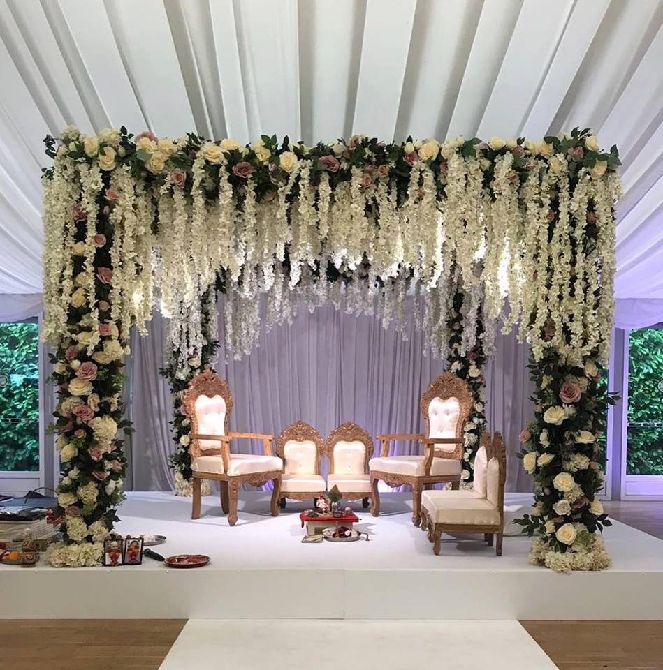 ENCHANTED FLOWER MANDAP