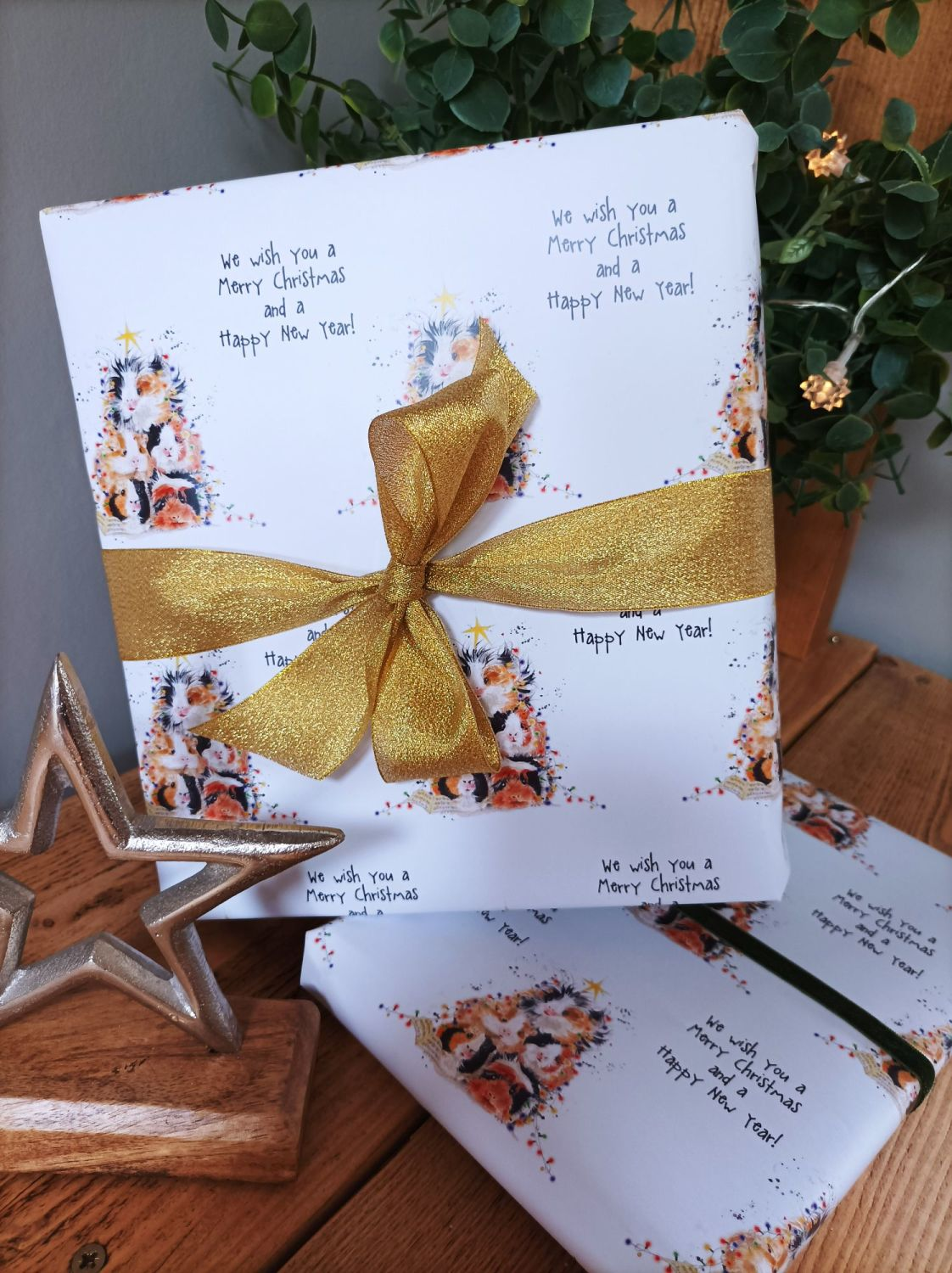 We wish you a Merry Christmas - Guinea pig - Wrapping paper