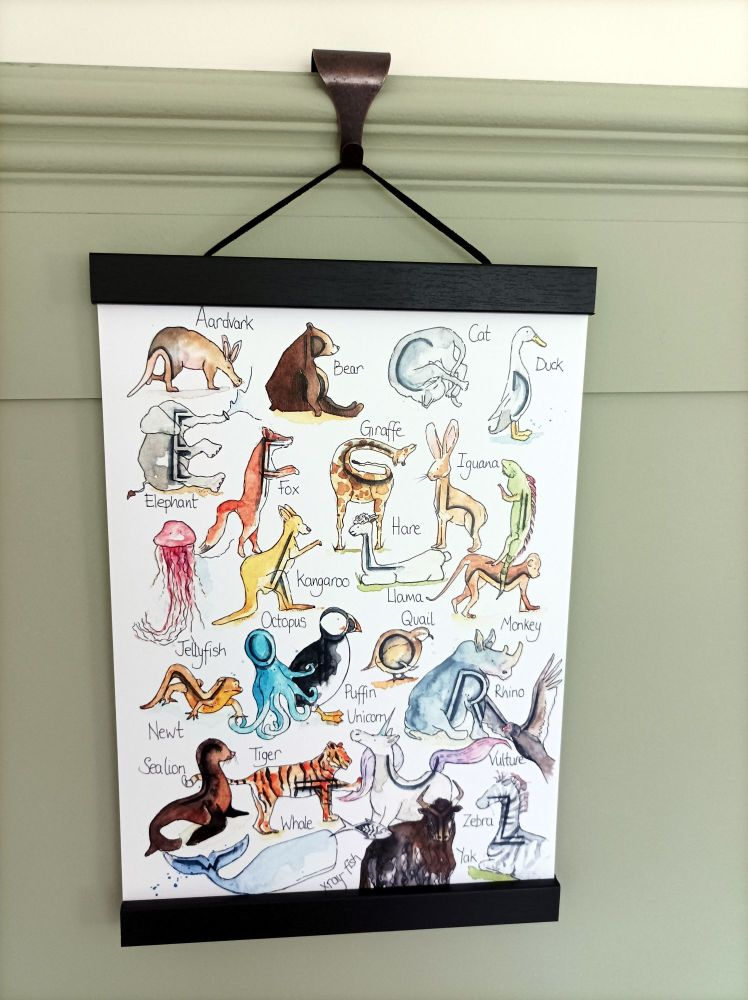 A4 size magnetic print hanger