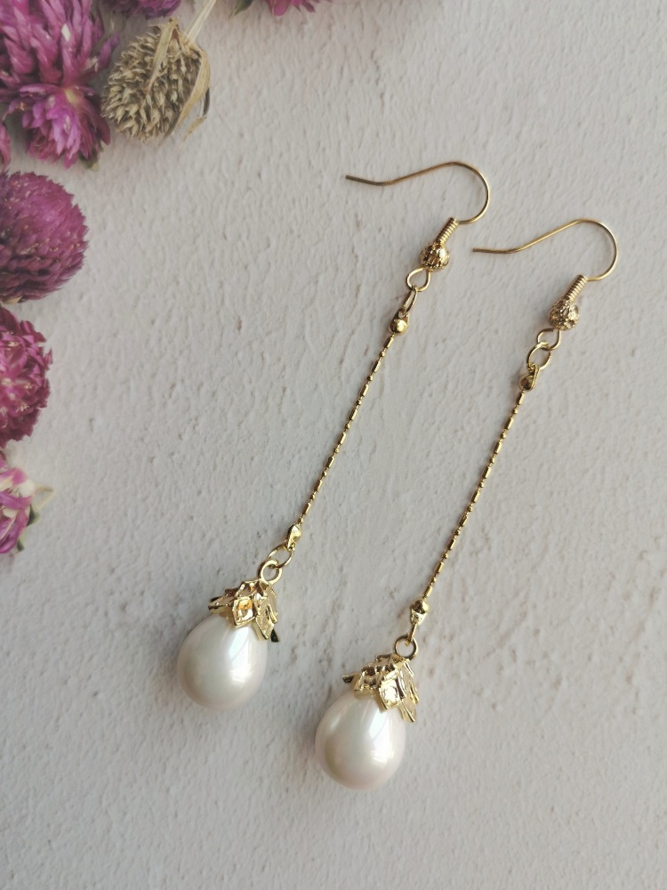 Mother of Pearl Elegant Statement Dropper Earrings