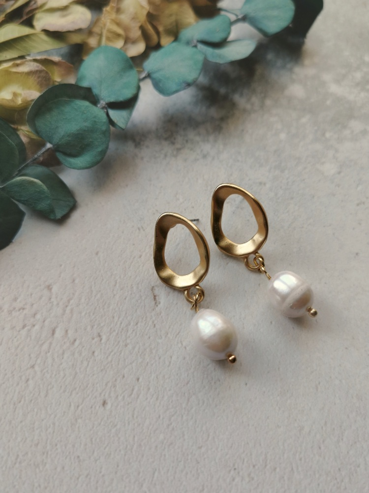 Irregular Circle Mother of Pearl Stone Earrings