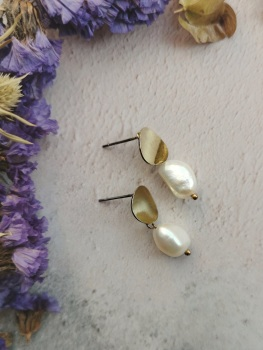 Gold Tone Disc Mother of Pearl Stone Drop Earrings