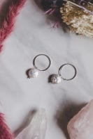 925 Sterling Silver Small Hoop & Mother of Pearl Flat Stone Earrings
