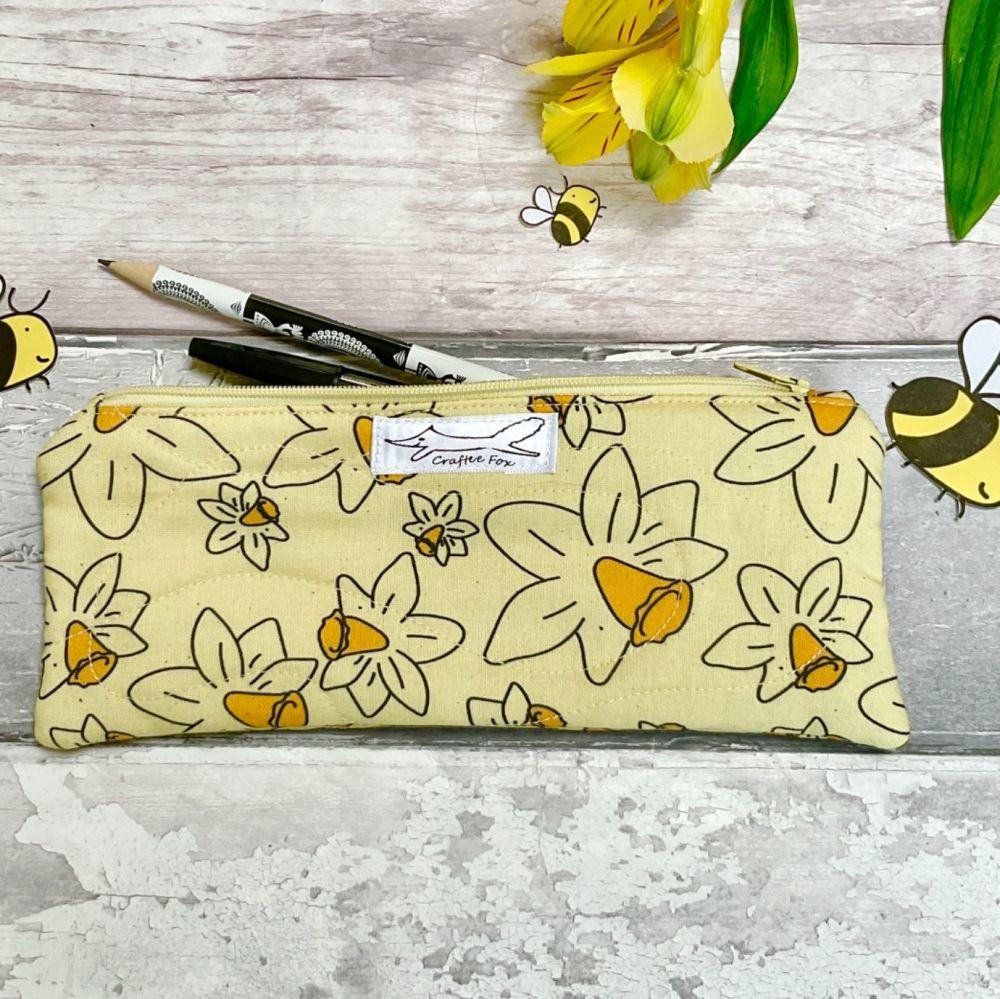Daffodil slimline pouch