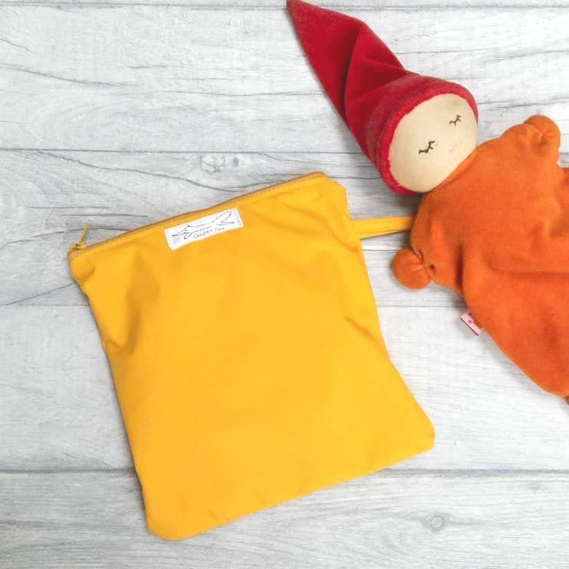 Wet bag for breastfeeding bags