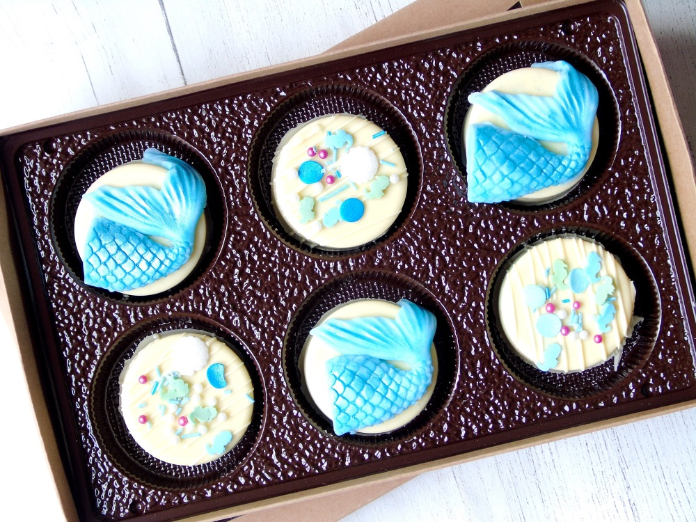 Mermaid chocolate covered Oreos