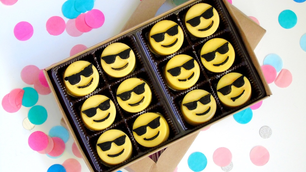 Too cool emoji mini Oreos