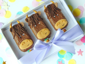 Highland cow popsicles set