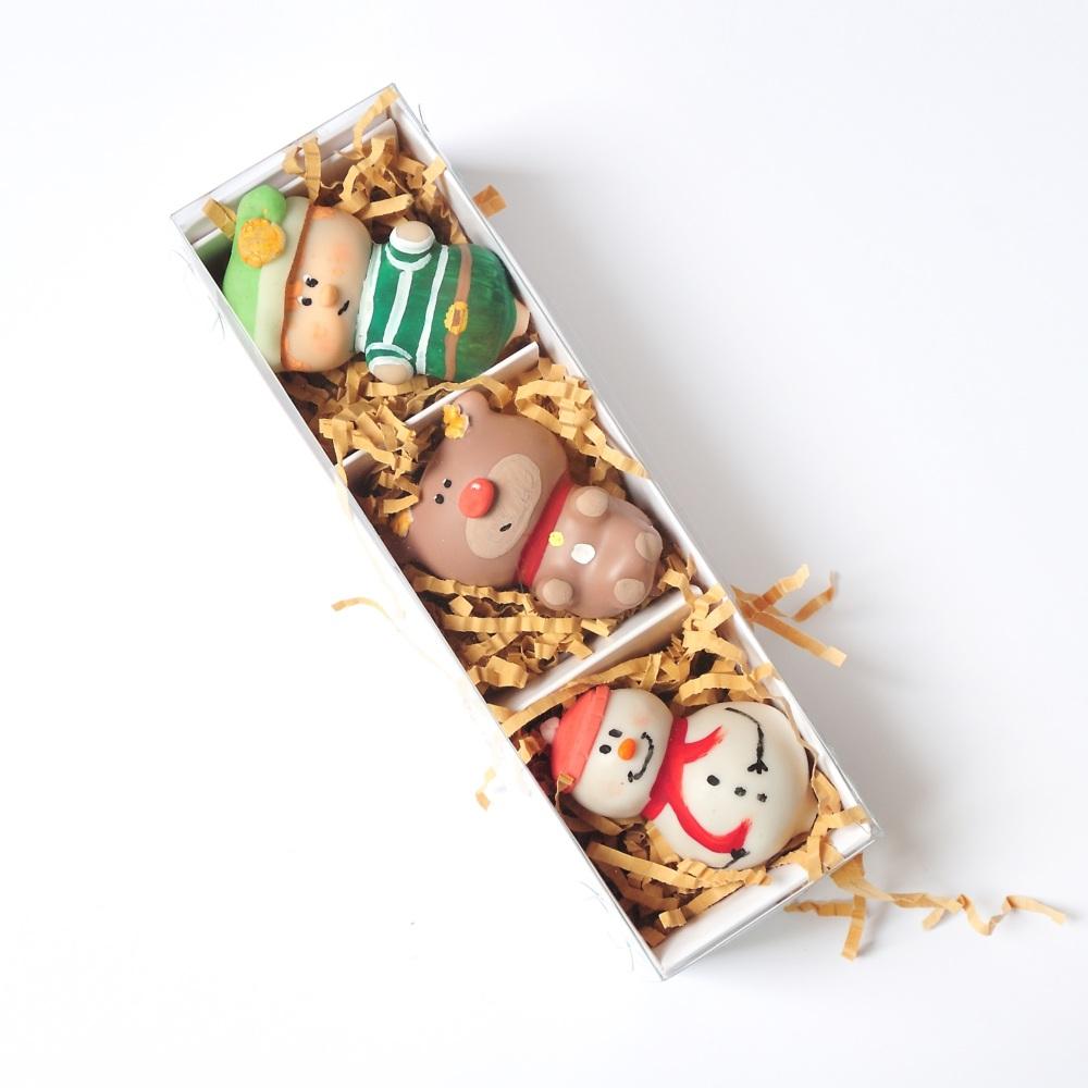 Personalised Elf  & friends cake pops
