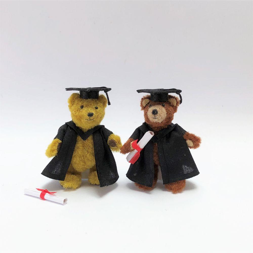 Teddy Graduates