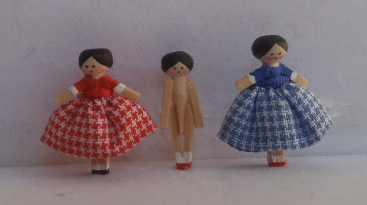 24th wooden doll group