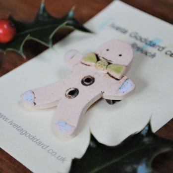 "Christmas brooch  ""Gingerbread man with green bow"""