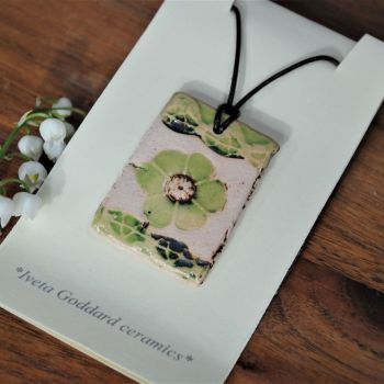 Ceramic pendant - Flower print - Green