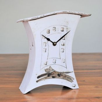 "Ceramic mantel clock - Medium ""Jumping dog"""
