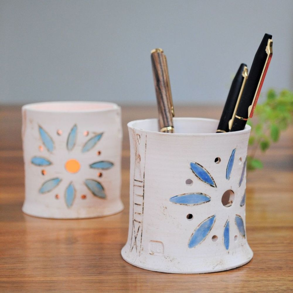Pencil holder or Tealight holder with blue flowers