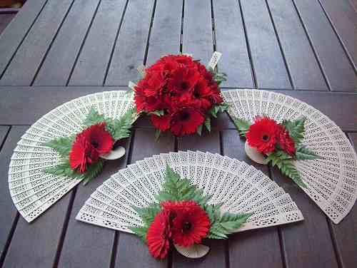 fan bouquet flowers