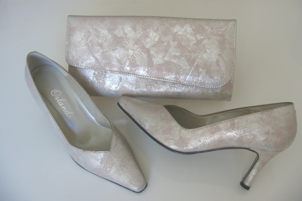 Orlando Spanish designer shoes matching bag shell pink silver size 4