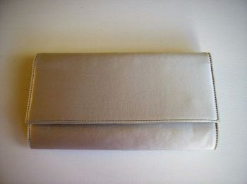 Gina London occasions silk small clutch bag palest lilac.