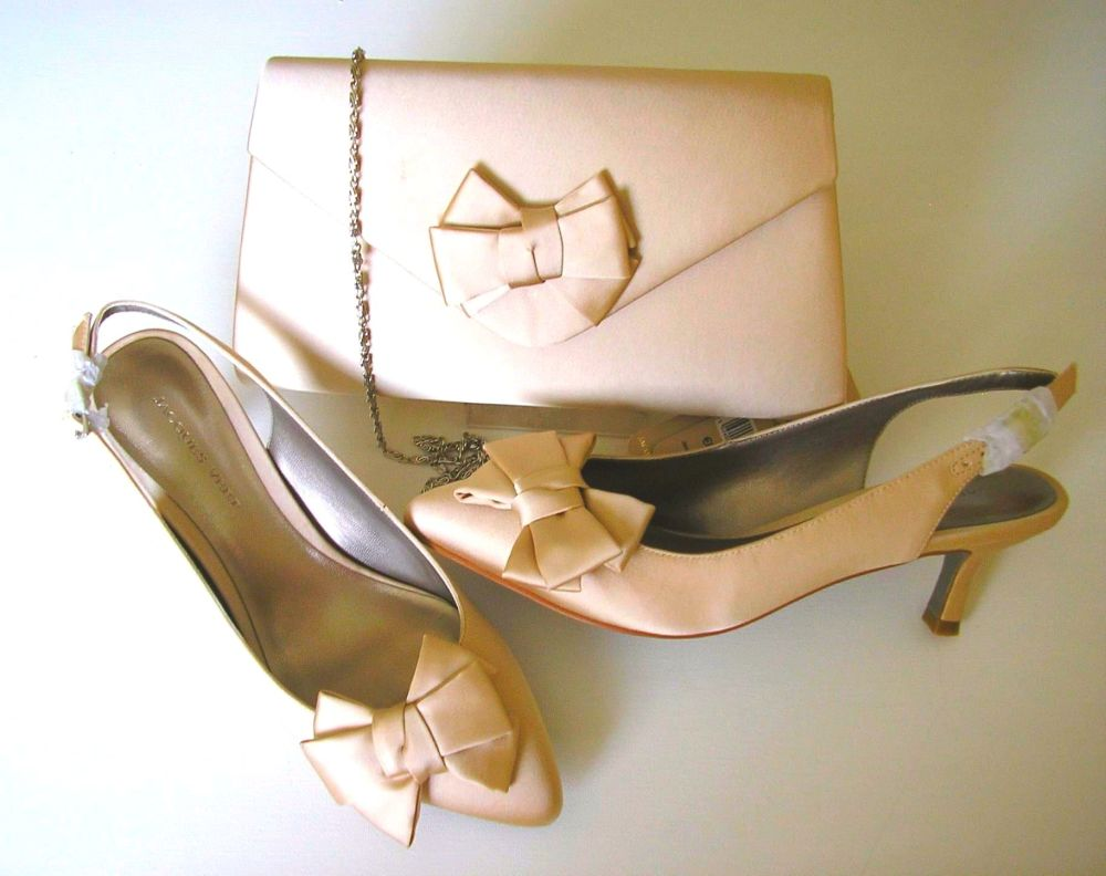 Jacques Vert shoes bow feature matching clutch bag. blush satin size 4
