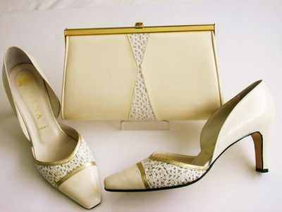 Gina designer shoes matching bag Ivory with guipre lace size 5.5