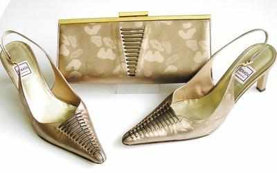 Designer Renata shoes matching bag beige mother bride size 6.5