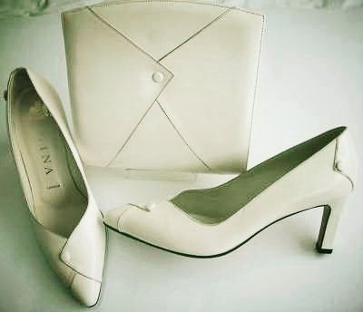 Gina designer shoes matching bag cream size 4.vintage unworn