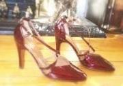 Designer Gina shoes Burgundy patent Size 3.vintage