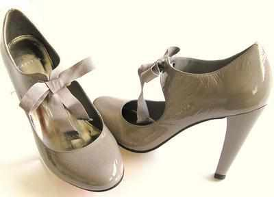 Carvela designer shoes taupe patent  ribbon bow size 6