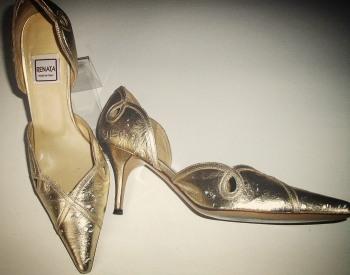 Renata designer shoes gold iridescent size 5 mother bride used