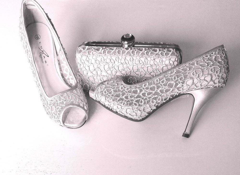 Lunar silver grey lace shoes matching
