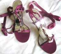 Karen Millen designer strappy shoes fuchsia crystals size  6.5.