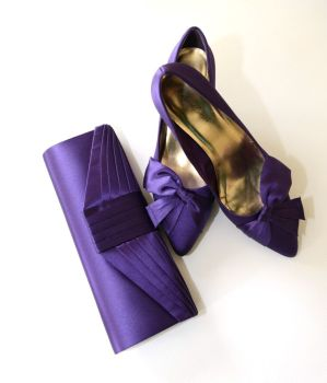 Roland Cartier occasion deep purple satin bow shoes matching bag size 7