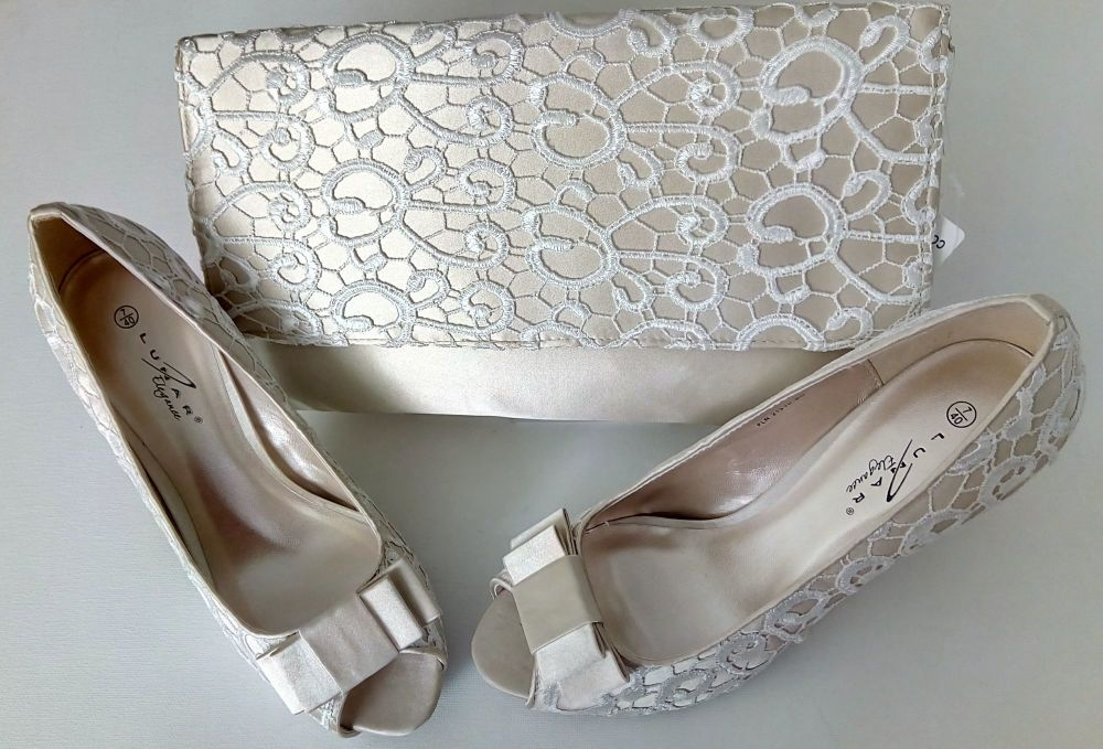 Lunar beige lace and deep ivory satin occasions shoes matching bag size 7