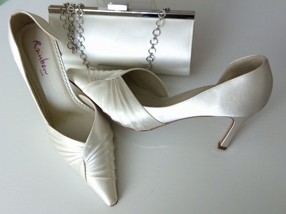 Rainbow Club ivory satin ocasions shoes matching bag size 5