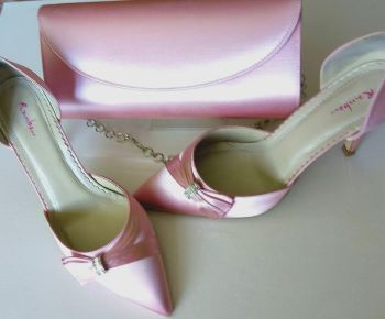 "Rainbow Club ""Taylor""Pale pink satin shoes matching bag size 4.5"