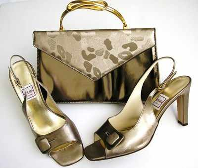 Designer Renata shoes matching bag brocatto beige peeptoe size5