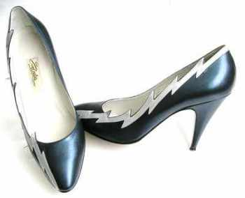 Renata navy and silver court shoes size 4.5 vintage