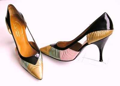 Gina kid leather vintage gold green pink shoes size 4.