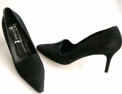Designer Gina shoes dark navy nubuck stiletto courts.size6